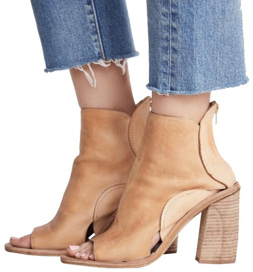 Preload https://img-static.tradesy.com/item/23781751/free-people-nude-phoenix-heel-boot-flats-size-eu-38-approx-us-8-regular-m-b-0-4-540-540.jpg