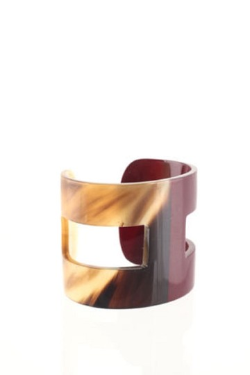 Preload https://item4.tradesy.com/images/hermes-burgundy-brown-buffalo-horn-lacquer-ano-h-cuff-bracelet-23781763-0-0.jpg?width=440&height=440