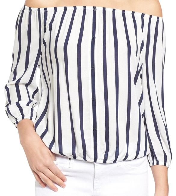 Preload https://img-static.tradesy.com/item/23781845/cupcakes-and-cashmere-striped-off-shoulder-blouse-size-8-m-0-1-650-650.jpg