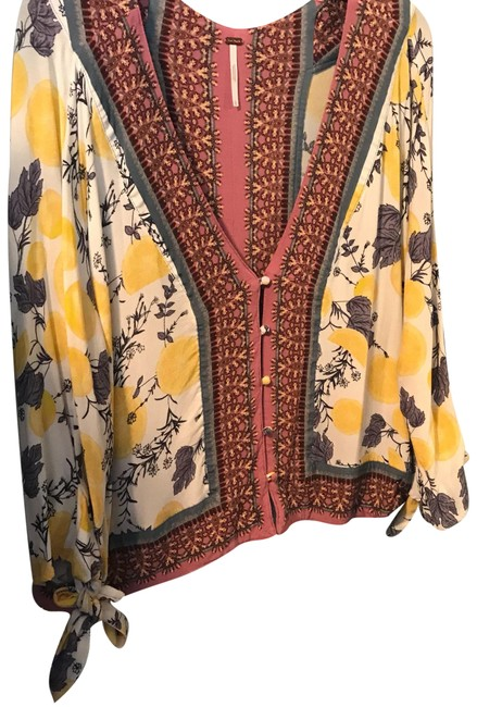 Preload https://item2.tradesy.com/images/free-people-blouse-size-14-l-23781866-0-1.jpg?width=400&height=650