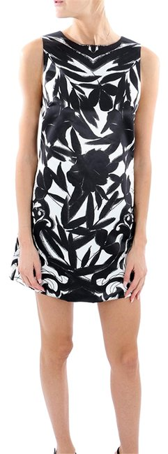 Preload https://item3.tradesy.com/images/alice-olivia-black-and-white-april-mini-short-formal-dress-size-2-xs-23782007-0-1.jpg?width=400&height=650