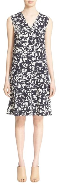 Preload https://item4.tradesy.com/images/vince-black-and-white-confetti-print-pleated-silk-short-formal-dress-size-6-s-23782118-0-1.jpg?width=400&height=650