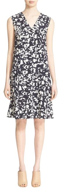 Preload https://item1.tradesy.com/images/vince-black-and-white-confetti-print-pleated-silk-short-formal-dress-size-8-m-23782125-0-1.jpg?width=400&height=650