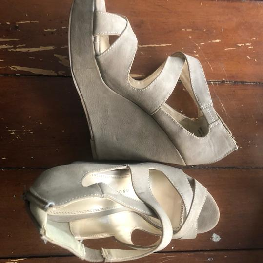 Chinese Laundry nude Wedges