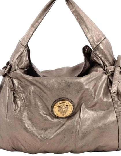 Preload https://item1.tradesy.com/images/gucci-hysteria-over-gold-metallic-leather-hobo-bag-23782230-0-2.jpg?width=440&height=440