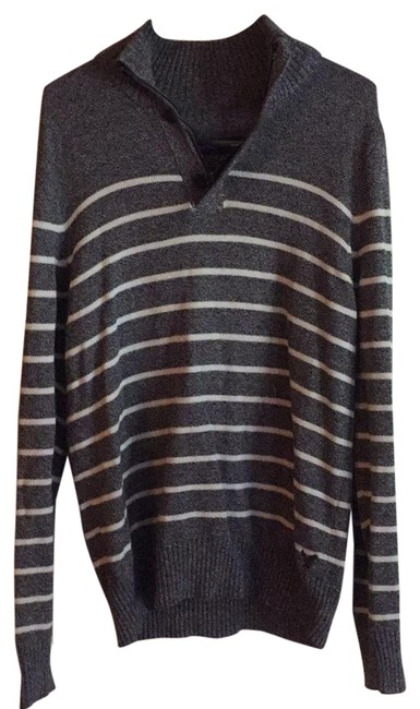 Preload https://item3.tradesy.com/images/american-eagle-outfitters-grey-with-white-stripes-turtle-neckpull-over-sweaterpullover-size-8-m-23782232-0-1.jpg?width=400&height=650