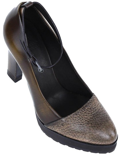 Preload https://item2.tradesy.com/images/brunello-cucinelli-brown-grained-leather-ankle-strap-pumps-size-us-7-regular-m-b-23782246-0-1.jpg?width=440&height=440