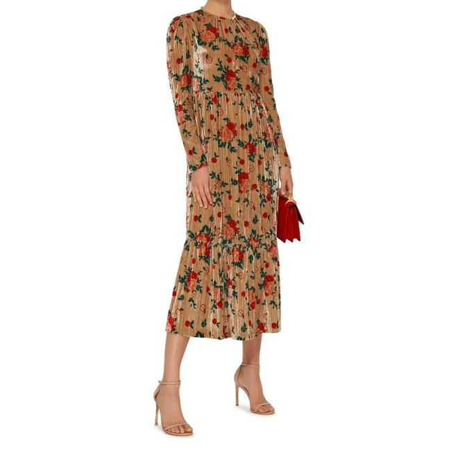 Preload https://img-static.tradesy.com/item/23782420/vivetta-nude-multi-velvet-santiago-long-workoffice-dress-size-8-m-0-0-650-650.jpg