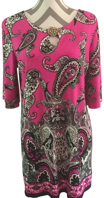 Preload https://item2.tradesy.com/images/sunny-leigh-pink-black-white-paisley-print-tunic-size-12-l-23782601-0-2.jpg?width=400&height=650