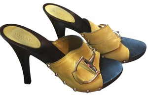 596d64889e5 Yellow Gucci Mules   Clogs - Up to 90% off at Tradesy