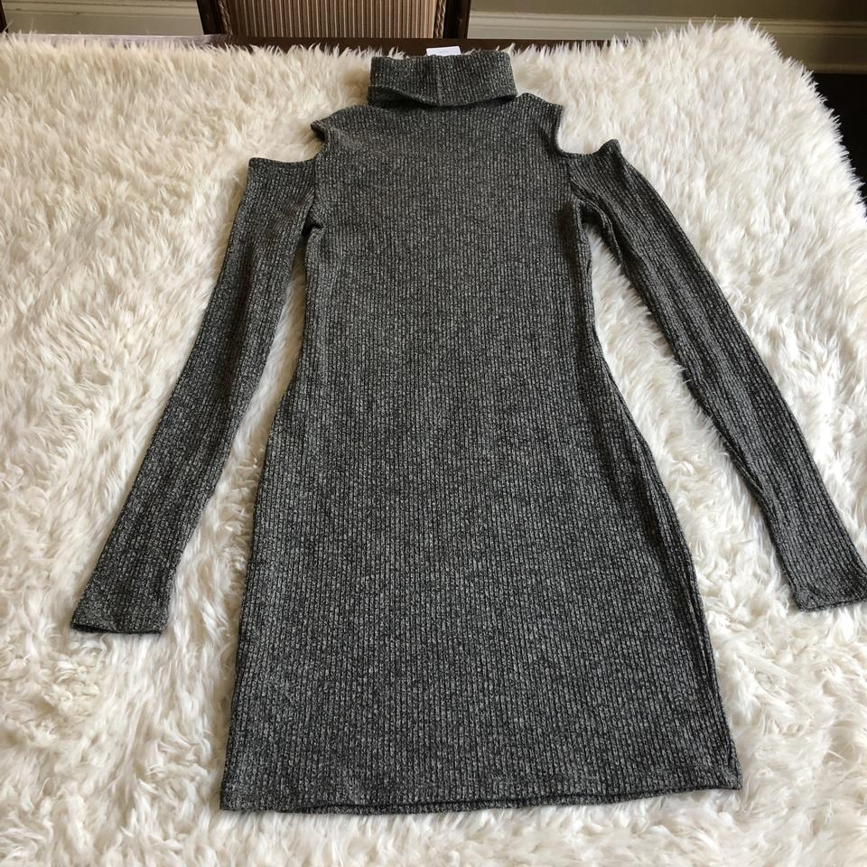 dc11cbe40969f0 Urban Outfitters Gray Silence + Noise Cold Shoulder Turtleneck ...