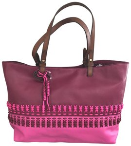 Fossil Tote in raspberry pink