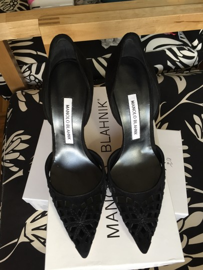 Manolo Blahnik Cut-out Pointed Toe Suede Nude Classic Black Pumps Image 7