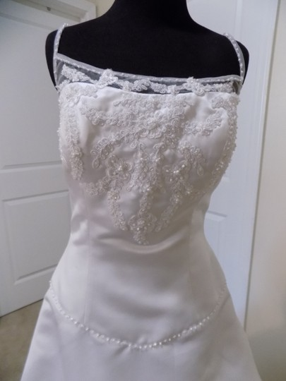 Eden White 2188 Traditional Wedding Dress Size 8 (M) Image 1