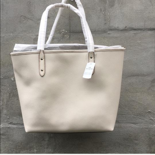 Coach Tote in chalk Image 3