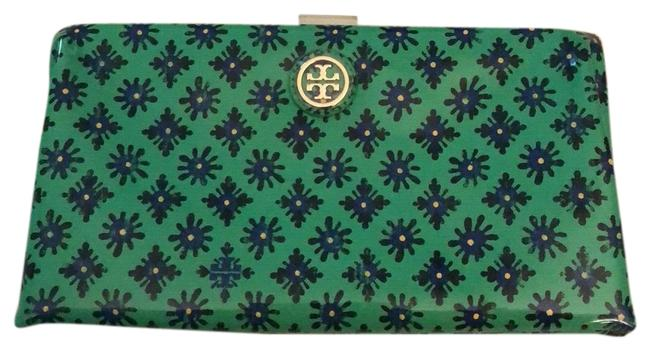 Item - Navy Green Patent Leather Clutch