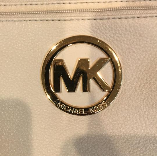 Michael Kors Cross Body Bag Image 5