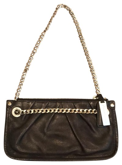 Preload https://img-static.tradesy.com/item/23788235/kenneth-cole-black-leather-clutch-0-1-540-540.jpg