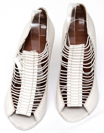Givenchy Off White Pumps Image 4