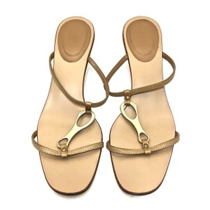 Gucci Leather Logo Tan / Gold Sandals