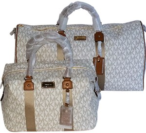 b4c2031c934e Michael Kors Mk Weekenders Duffle Monogram Luggage Vanilla/Acorn Travel Bag