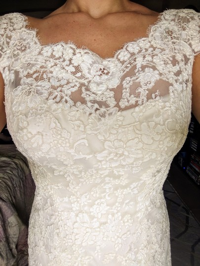 Allure Bridals Ivory Lace 9000 Formal Wedding Dress Size 10 (M) Image 1