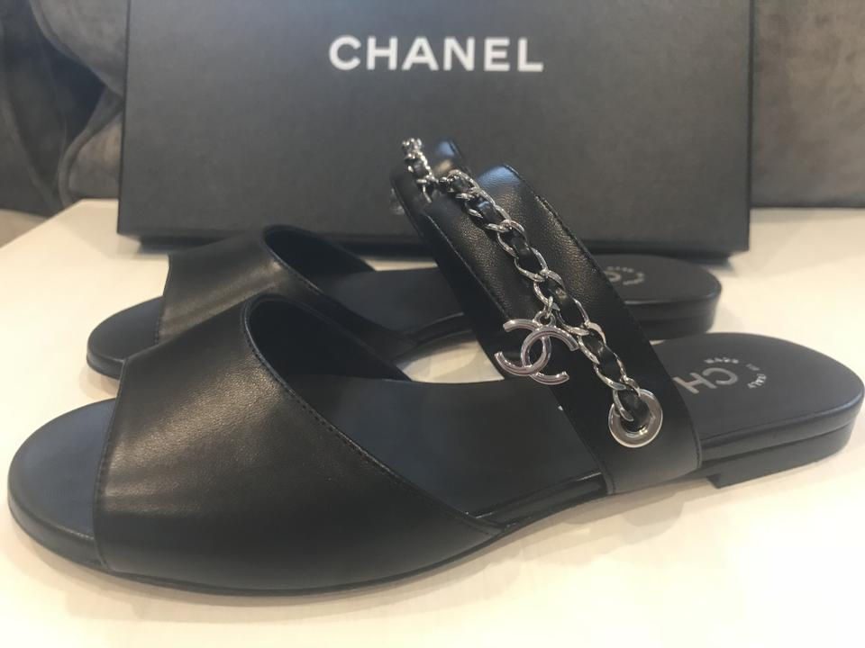 e26004e55 Chanel Black 18p Leather Chain Cc Clover Charm Flat Slide Mule Sandals Size  EU 36 (Approx. US 6) Regular (M
