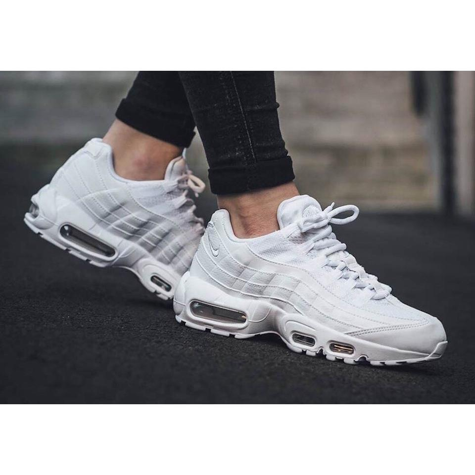 the best attitude 6cd1e 13e32 Nike White Women s Air Max 95 Og Triple Sneakers Features Cushioning That  Made The Famous and A Breathable Upper With Sneakers Size US 8.5 Narrow  (Aa, ...