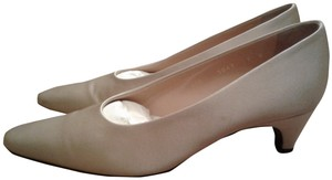 Walter Steiger Comfortable Satin Made In Italy Handmade Leather Sole Light beige Pumps