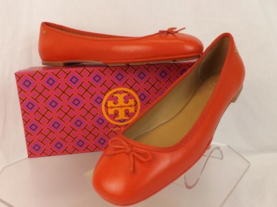 Tory Burch Bow Stacked Heel Driving Poppy Orange Flats Image 1