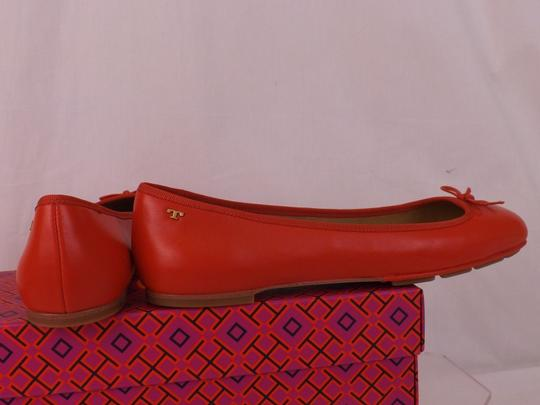 Tory Burch Bow Stacked Heel Driving Poppy Orange Flats Image 10