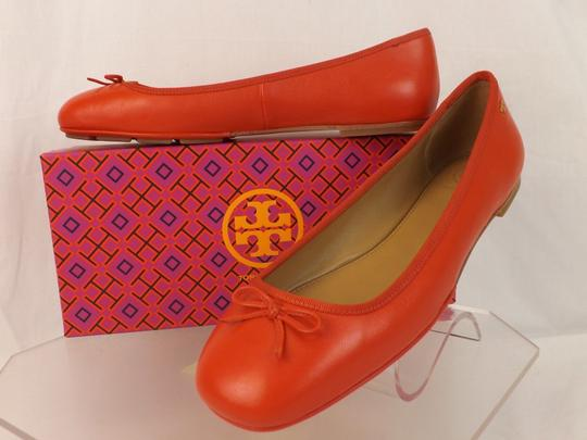 Tory Burch Bow Stacked Heel Driving Poppy Orange Flats Image 7
