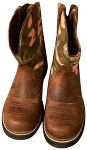 Justin Boots Rustic Brown Leather/Camo tops Boots