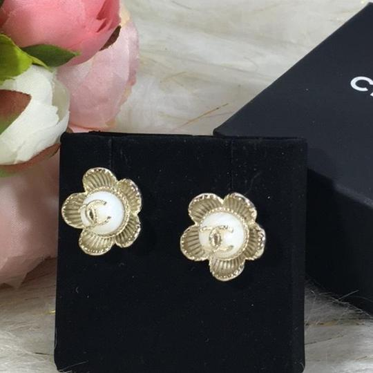 Chanel CHANEL CC LOGO WITH CAMELLIA FLOWER GOLD STUDDED EARRINGS Image 1