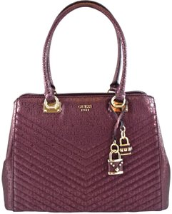 Guess Tote in Purple Bordeaux