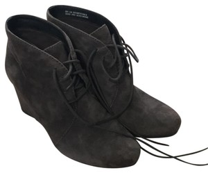 Clarks grey suede Boots