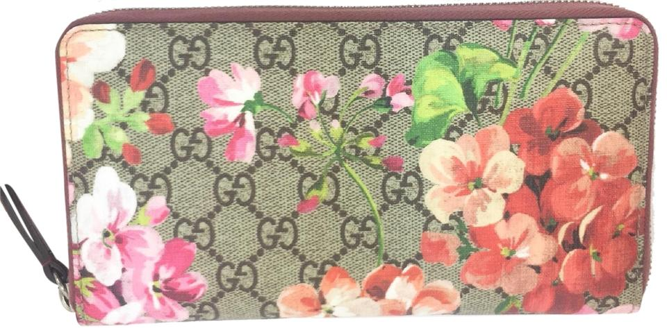 7b1e686820a Gucci Gucci  410068 Bloom GG Supreme Zip Around Large Travel Wallet Image 0  ...