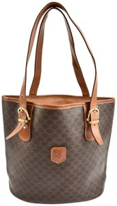 Céline Leather Logo Double C Tote in Brown