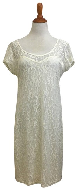 Preload https://img-static.tradesy.com/item/23803337/guess-ivory-lace-overlay-short-night-out-dress-size-16-xl-plus-0x-0-1-650-650.jpg