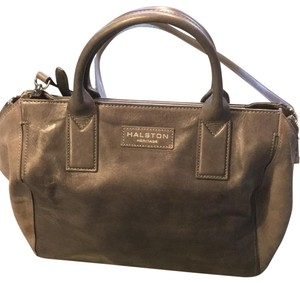 Halston Bags - Up to 90% off at Tradesy ff765c7dace15