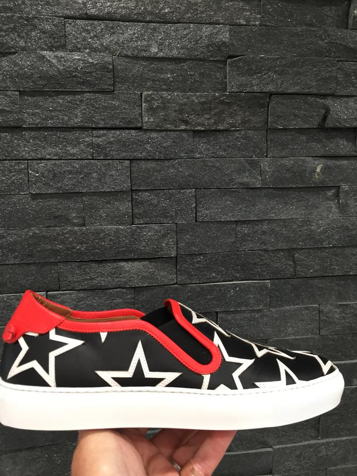 Givenchy Sneakers Star Sneakers with Print Red Trim Black Star Low White Top SSqBFr