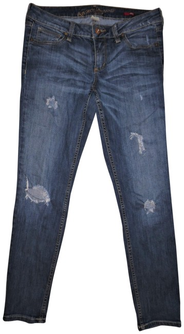 Preload https://img-static.tradesy.com/item/23811999/arizona-blue-distressed-faded-low-rise-ankle-capricropped-jeans-size-29-6-m-0-2-650-650.jpg