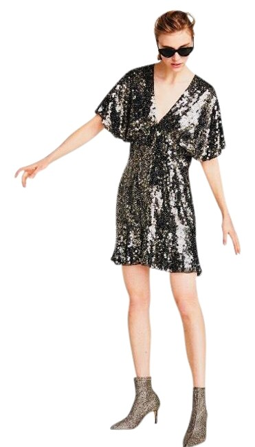 Preload https://img-static.tradesy.com/item/23812480/zara-limited-edition-sequin-night-out-dress-size-6-s-0-1-650-650.jpg
