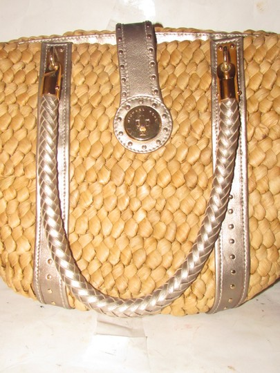 Michael Kors Xl Santorini Style Body Bold Gold Hardware Tote in metallic pewter leather and woven straw Image 2