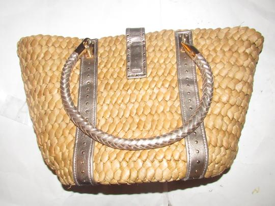 Michael Kors Xl Santorini Style Body Bold Gold Hardware Tote in metallic pewter leather and woven straw Image 5