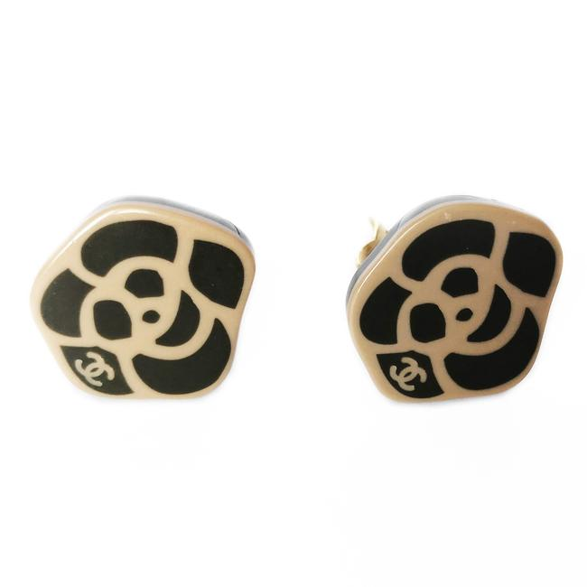 Item - Tan Brown Ivory Black White Camelia Cc Clipped Earrings