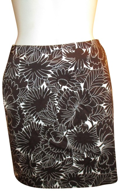 Item - Brown & White Stretch Floral Print Skirt Size Petite 2 (XS)