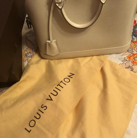 Louis Vuitton Satchel in Ivory/White Image 6