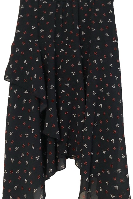 Preload https://img-static.tradesy.com/item/23814763/h-and-m-floral-tier-skirt-size-6-s-28-0-1-650-650.jpg