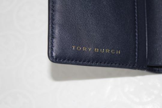 Tory Burch TORY BURCH LEATHER SQUARE PRINT TILE FOLD SNAP WALLET Image 11